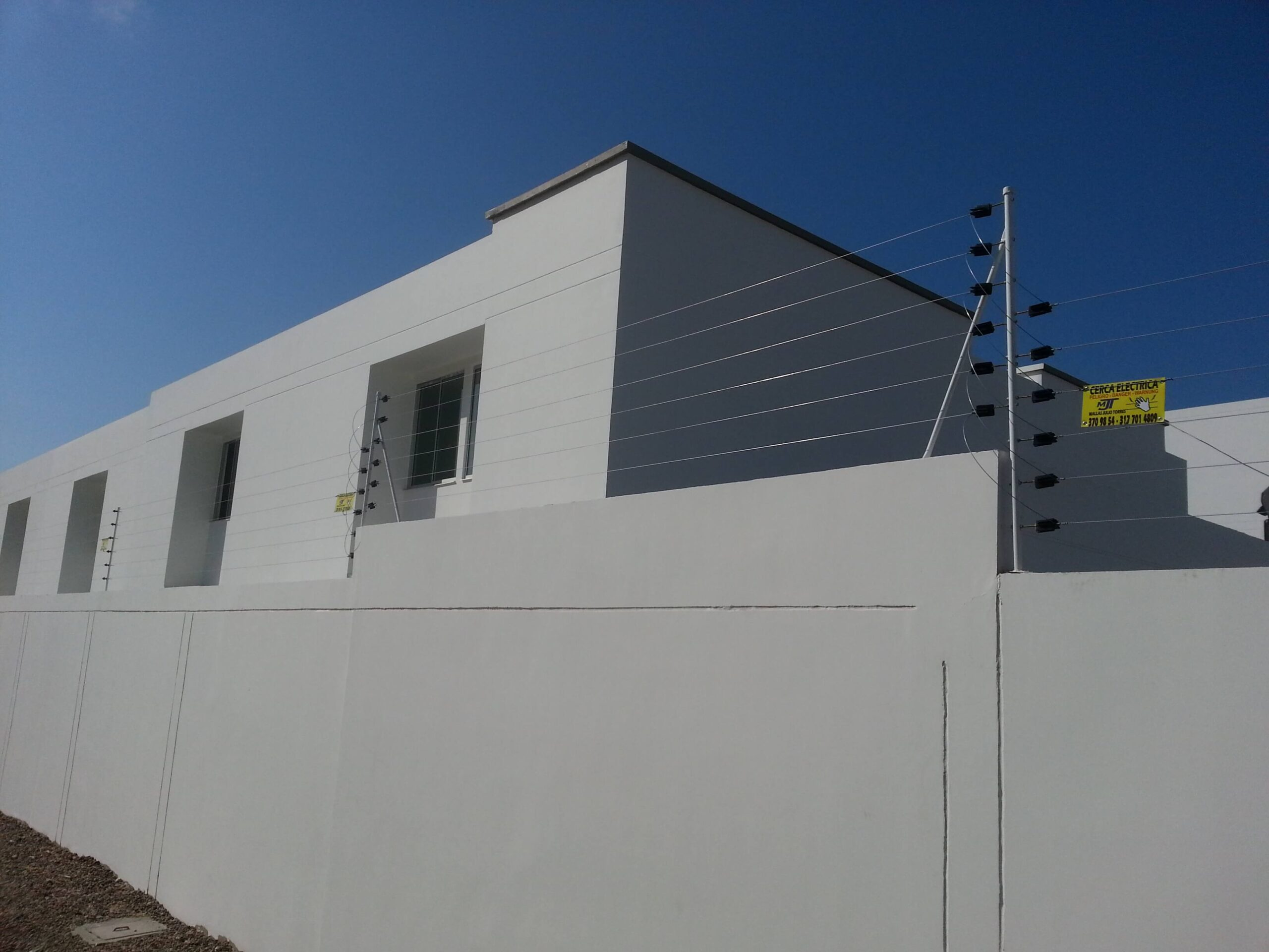 1. Cerca electrica residencial