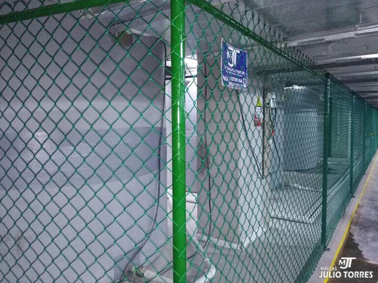 2. Cerramiento en mallas ciclon empresarial scaled 1
