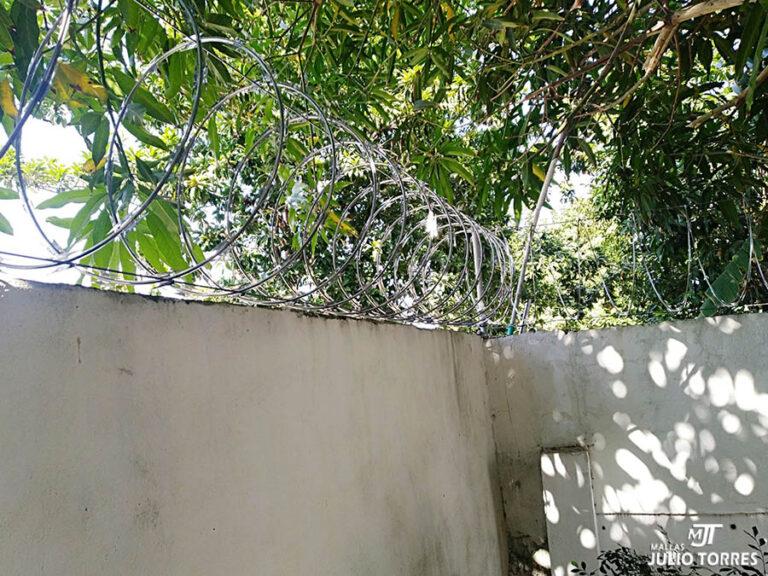 3. Cerramiento en concertina residencial scaled 1