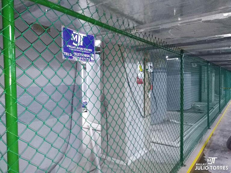 3. Cerramiento en mallas ciclon empresarial scaled 1