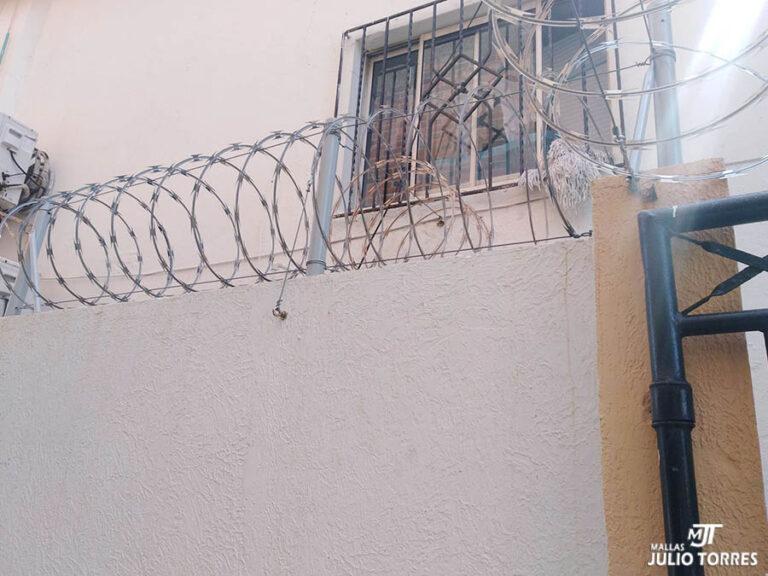 3. cerramiento en concertina residencial1 scaled 1