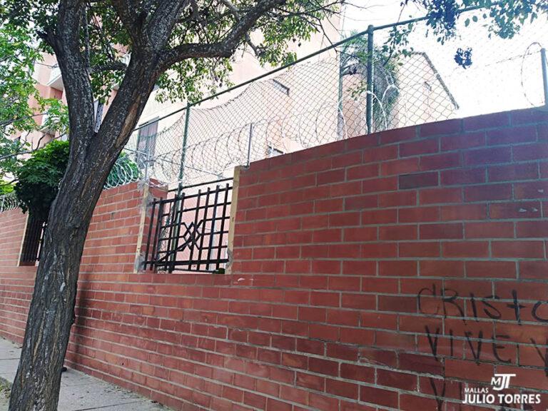 5. Cerramiento en concertina residencial 5 scaled 1