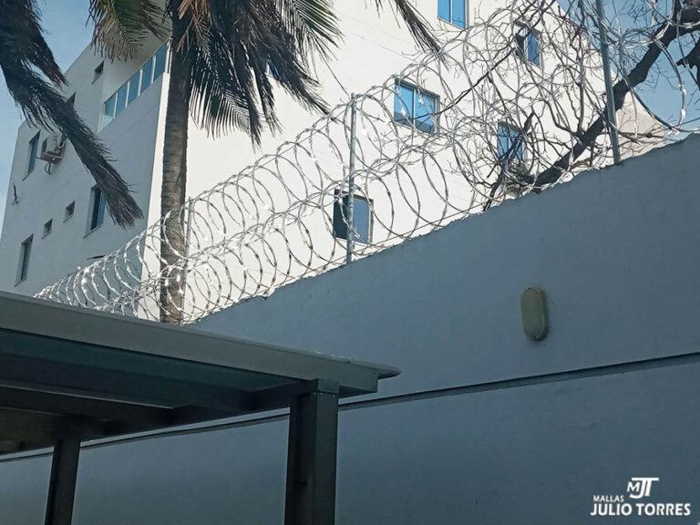 6. Cerramiento en concertina residencial 2 scaled 2