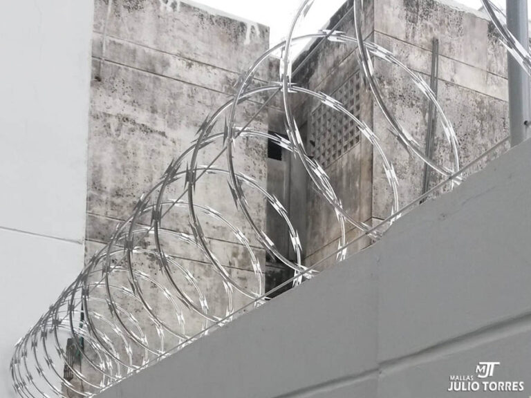 7. Cerramiento en concertina residencial scaled 1